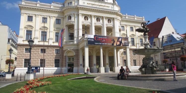 Bratislava_opera house