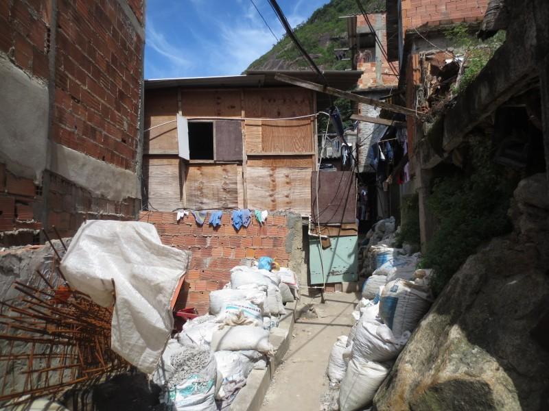favela tour em santa marta bagagem de mem rias. Black Bedroom Furniture Sets. Home Design Ideas