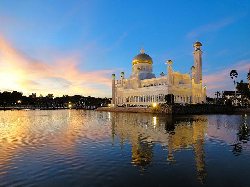 Mesquita Sultan Omar Ali Saifuddin | Foto: Romain Pontida via Visualhunt